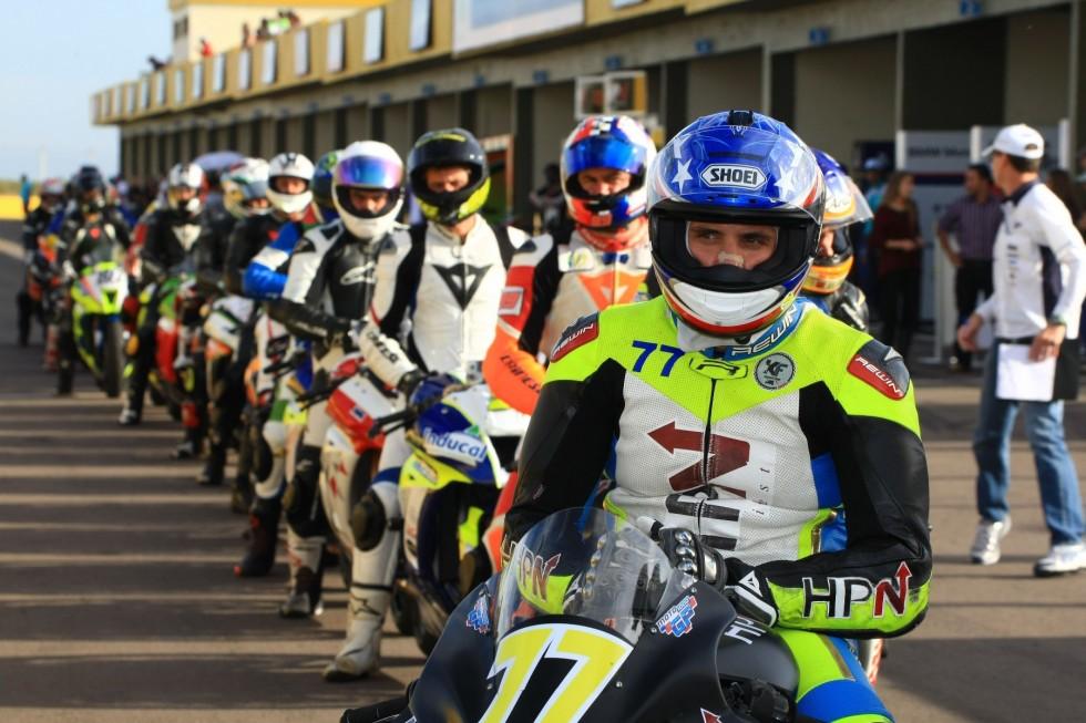 Moto 1000 GP destaca adesão de pilotos e padrão visual das equipes