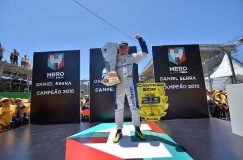 Daniel Serra é bicampeão da Stock Car; Ricardo Zonta vence corrida final em Interlagos