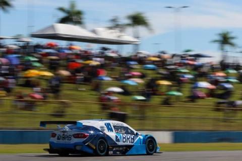 Stock Car em Goiânia: Pontos nas duas corridas premiam trabalho de equipe da Hot Car
