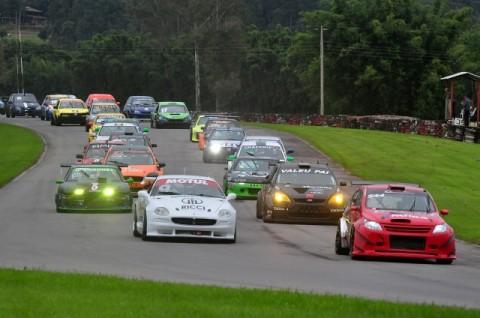 CGST: Marçal Muller, abaixo de chuva, vence o Grande Prêmio Carlinhos de Andrade