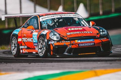 Porsche LEGO ® Technic estreia com vitória na Porsche Carrera Cup Sport