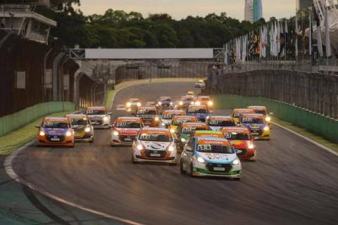 Pandemia faz Copa Shell HB20e GT Sprint Race remanejarem seus calendários