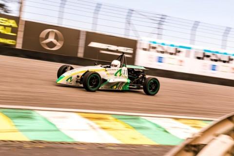 F1600: Lucas Freitas vence as duas corridas da 4ª etapa