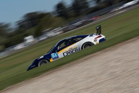 Porsche Cup: Fernando Croce mostra evolução no fim de semana da rodada dupla de Curitiba